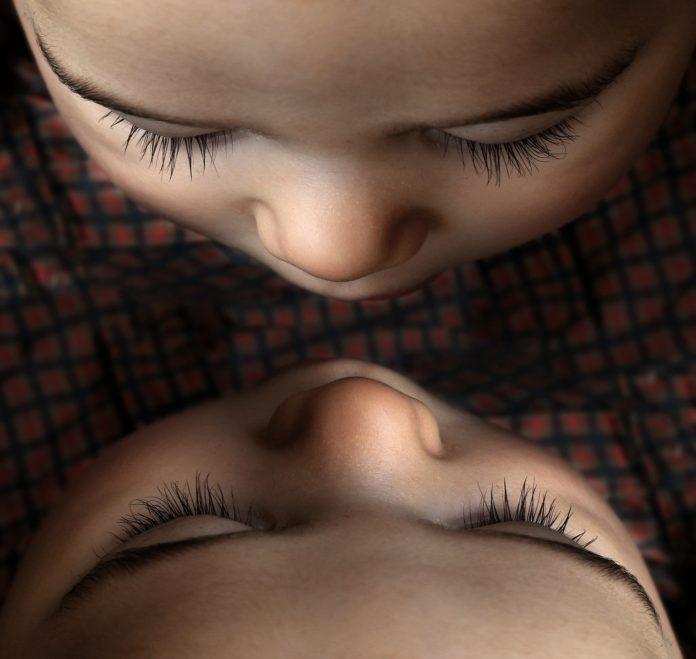 Sspiegbildzwillinge es sind zwei